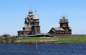 האי קיז'י בימת אונגה בצפון-מערב רוסיה