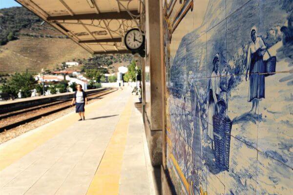 תחנת הרכבת של פינהאו, ליד פורטו
