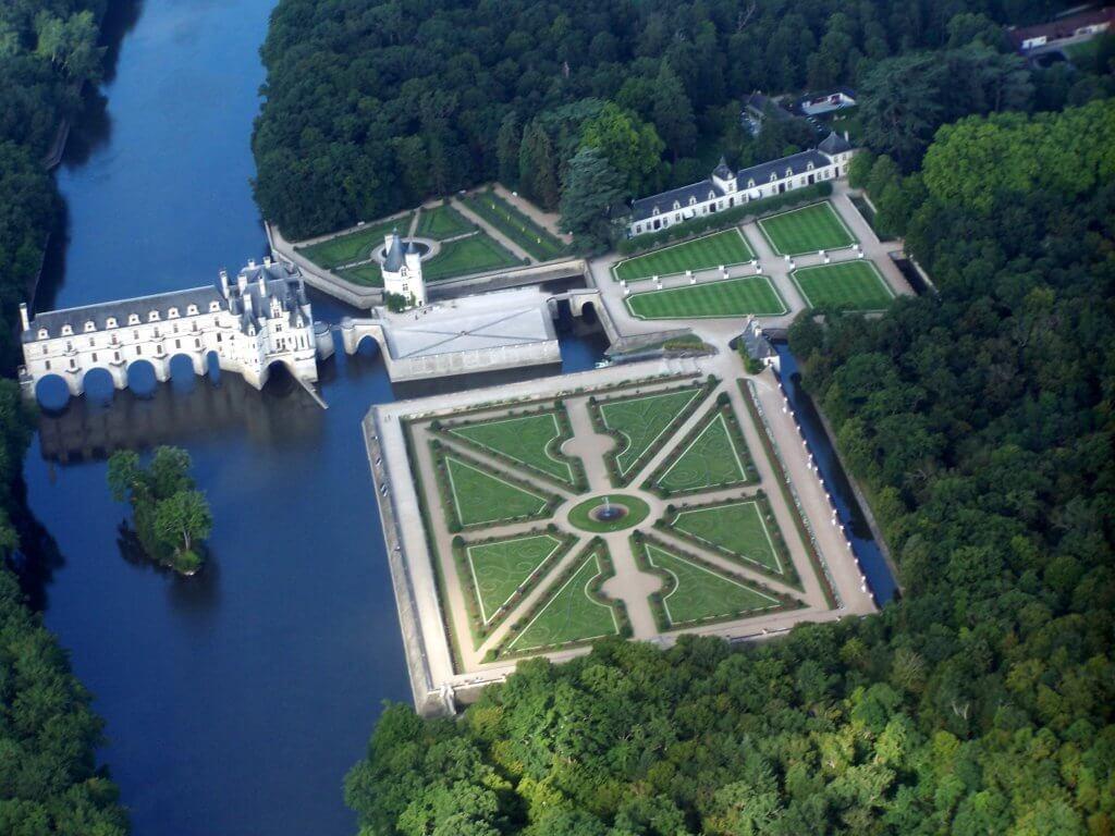 צילום אוויר של הטירה.